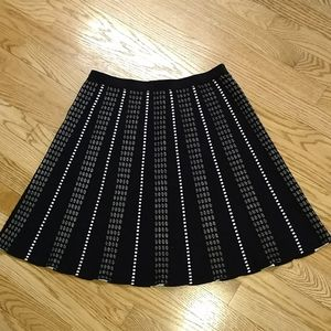 Spense black and white sweater knit  skirt SMALL
